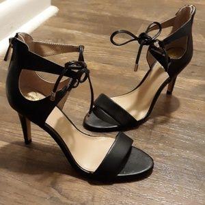 Vince Camuto heels sz.6.5 M